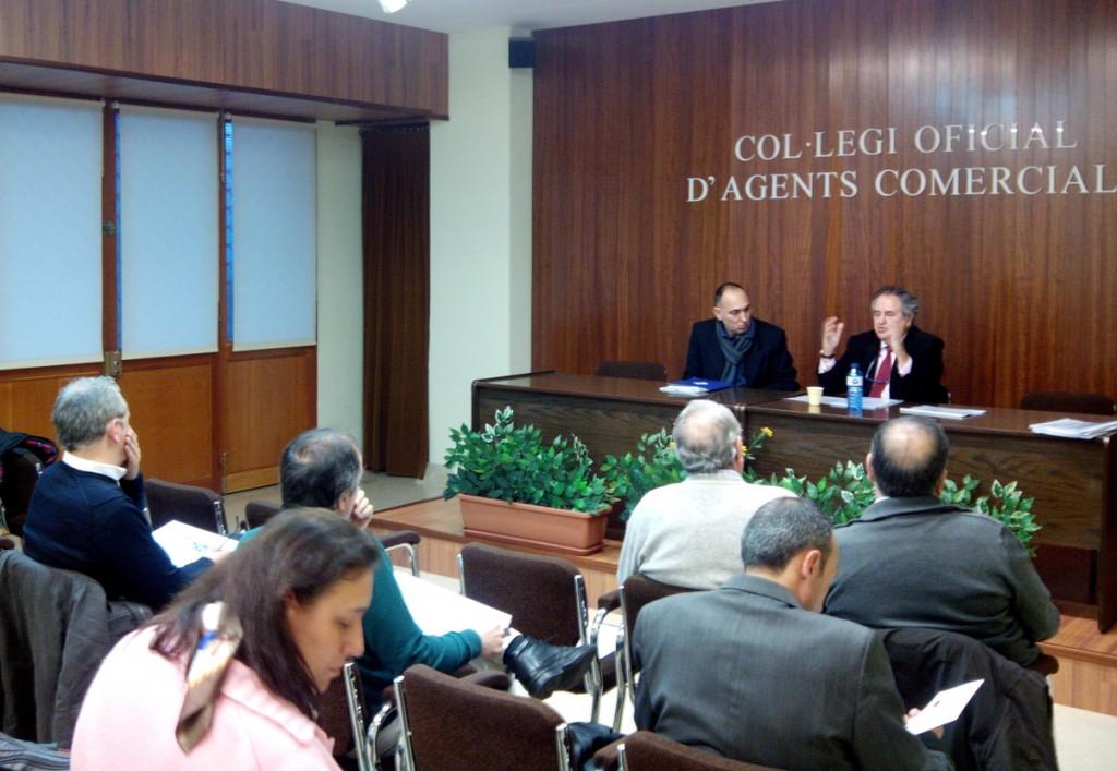 """Inici de la conferència """"Marques vs Dominis"""""""